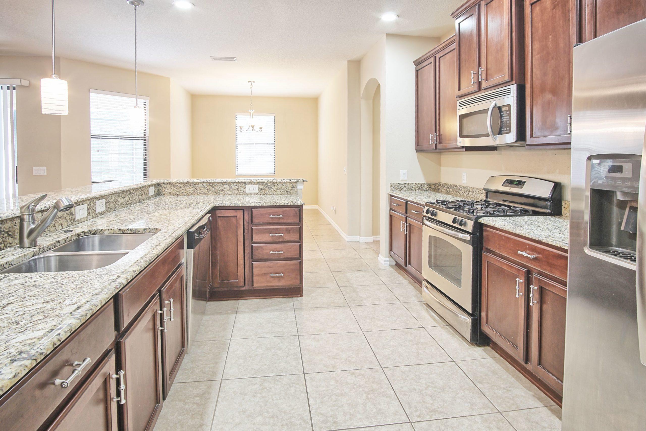7905 Hamton Lake Dr, Tampa, Grand Hampton, new 2020 (20)